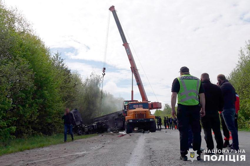 ДТП на Хмельнитчине унесло четыре жизни. Фото: Нацполиция