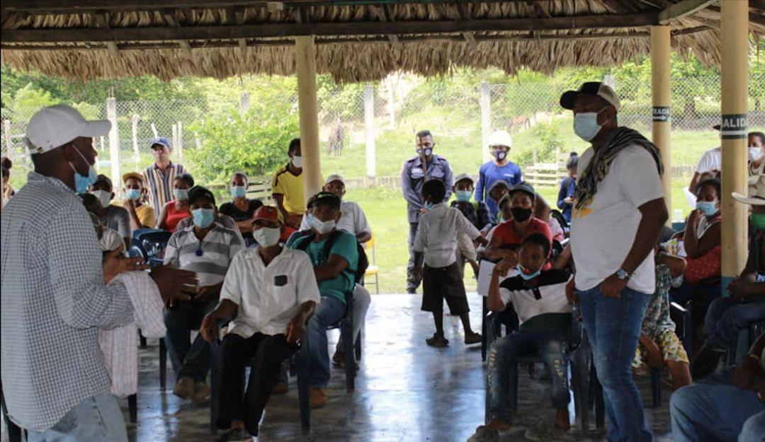 Евакуйовані колумбійці. Фото: The Watchers