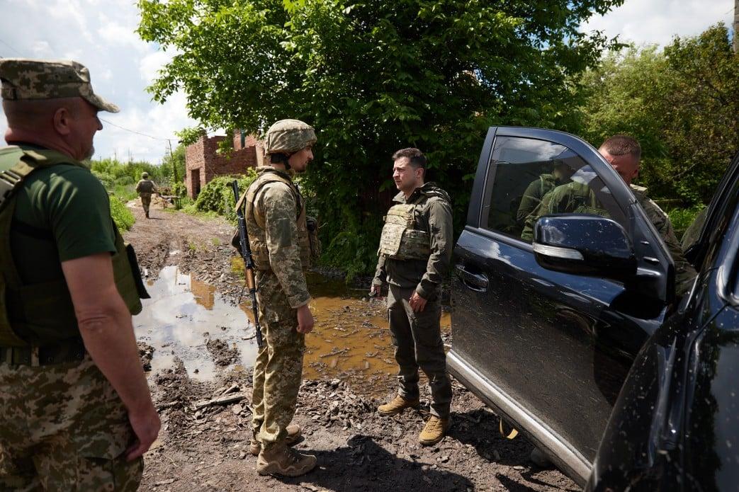 Зеленский на Донбассе. Фото: пресс-служба