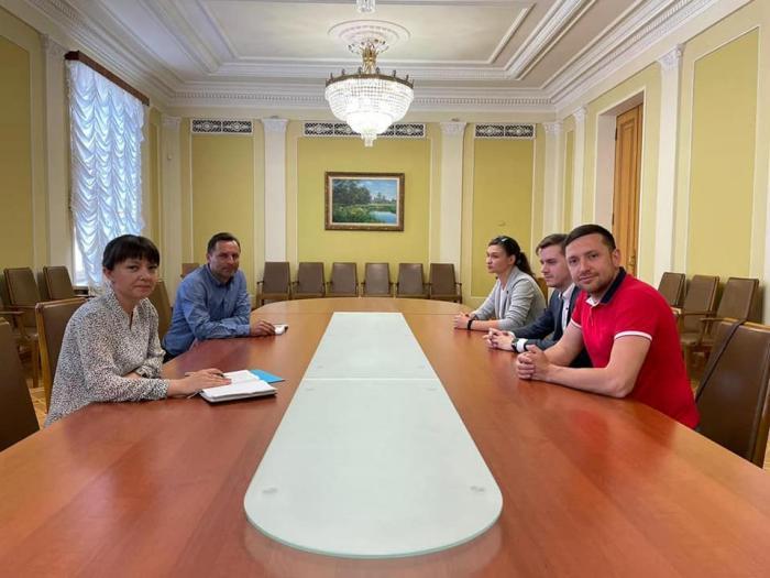 Яна Дугарь посетила Офис президента, фото: Яна Дугарь