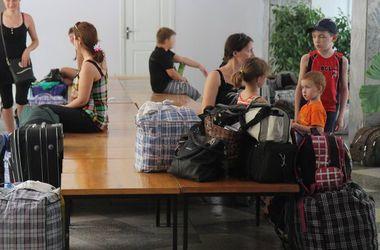 Курянин приютил четыре украинские семьи