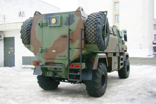 Благодаря суперброне возможность прострела в результате рикошета минимизирована. Фото пресс-службы МВД Украины