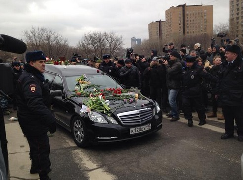Нємцова буде поховано на Троєкурівському кладовищі. Фото Twitter