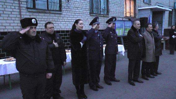 Бойцов встречали командование, местная власть, волонтеры, журналисты, родственники и близкие. Фото пресс-службы УМВД Украины в Херсонской области