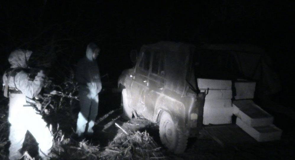 Грузовик с салом задержали в пяти метрах от границы с Россией. Фото пресс-службы ГПСУ