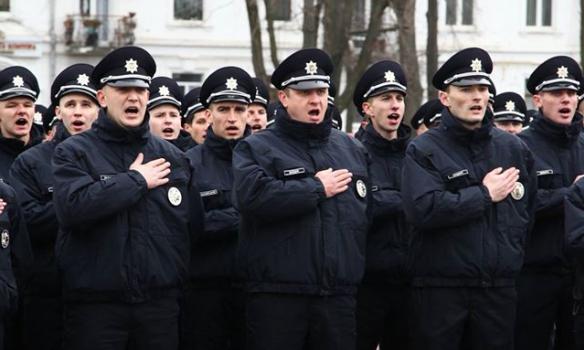 Патрульні поліцейські уХмельницькому склали присягу