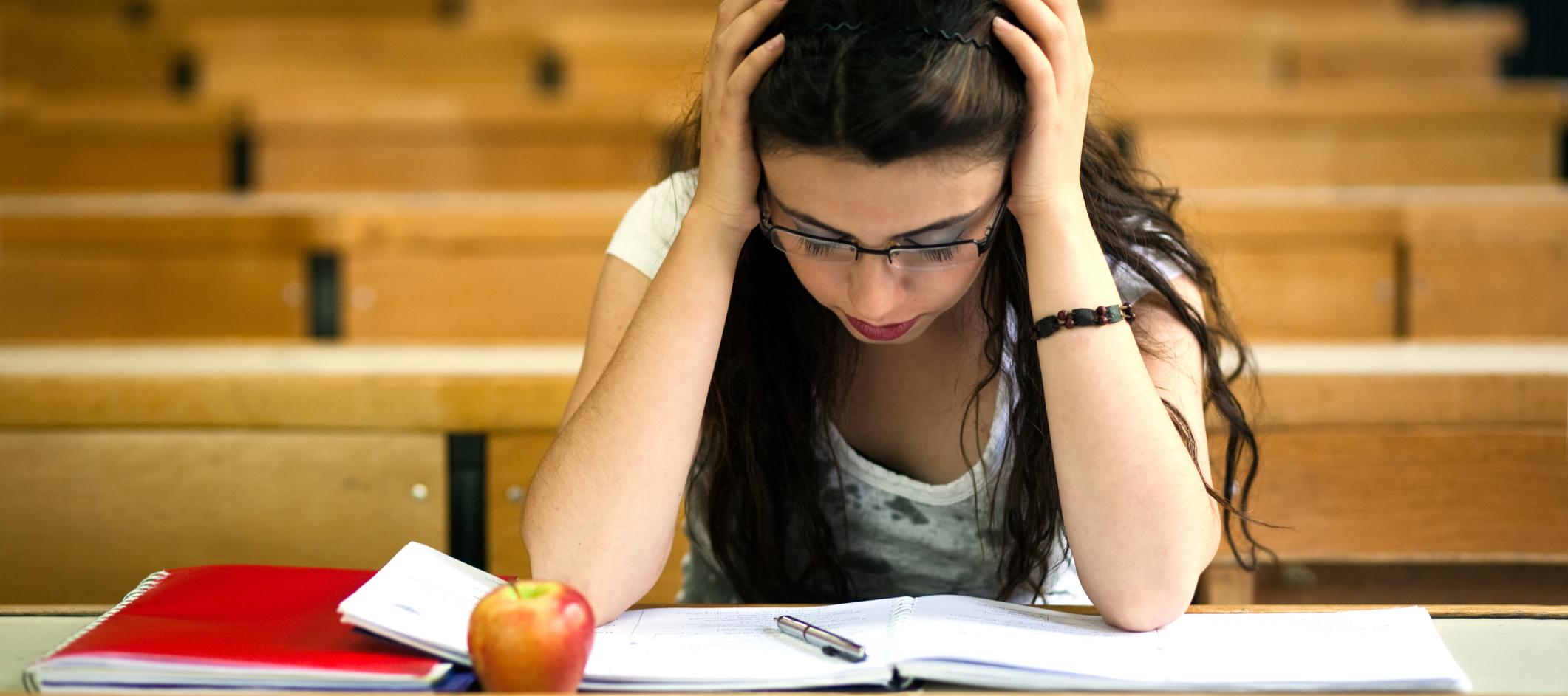 Студентка сдала все экзамены через постель 11 фотография