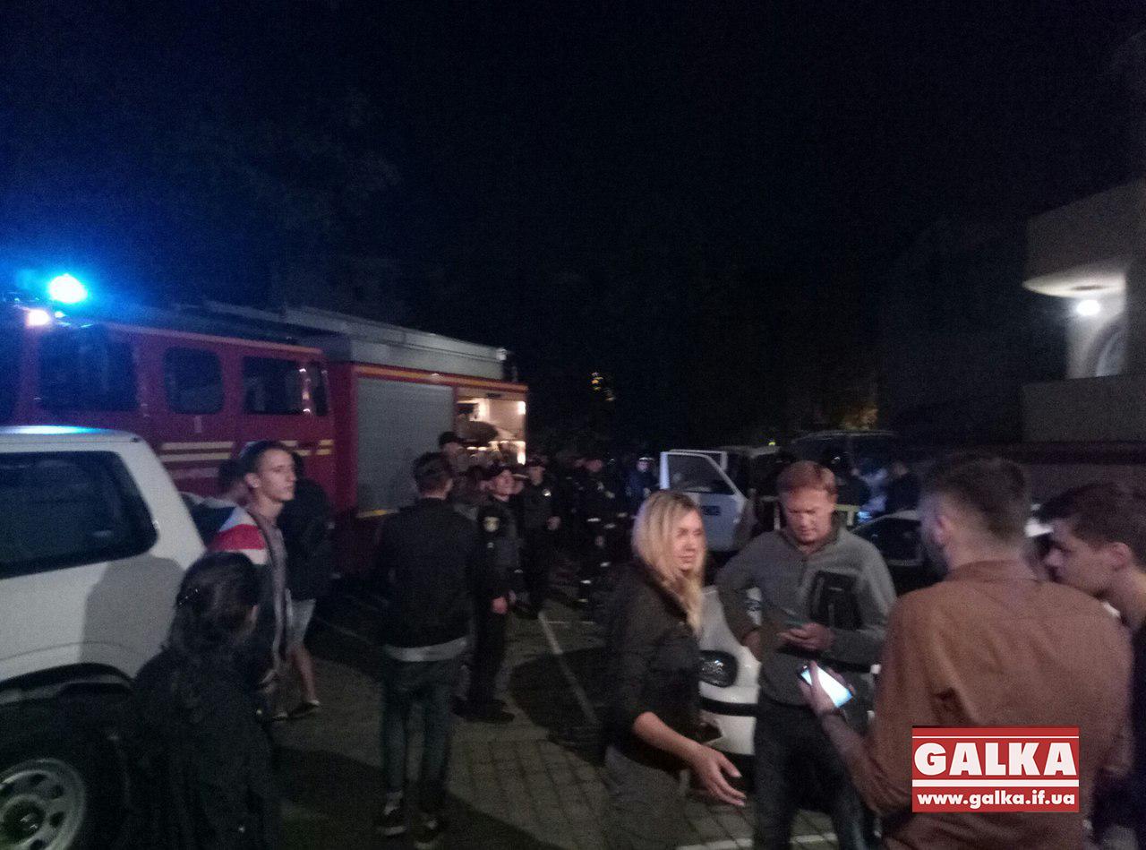 ВИвано-Франковске подожгли автомобиль ОБСЕ