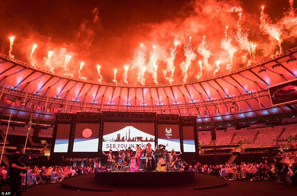 Жданов уверяет, что паралимпийцы получат призовые без промедления