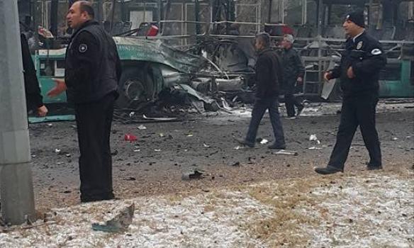 Появилось видео момента взрыва автобуса вКайсери