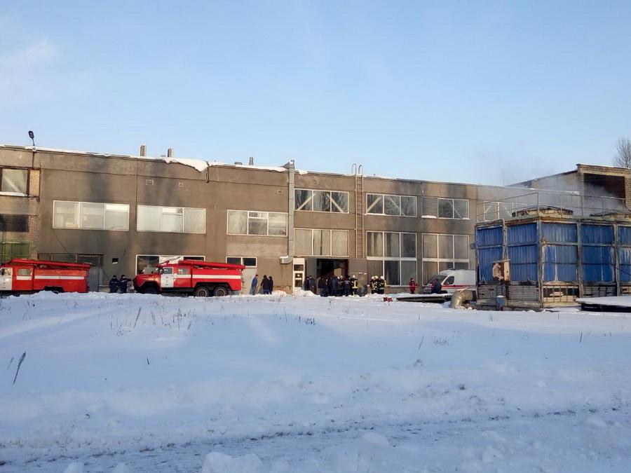 ВКиеве назаводе произошел взрыв спожаром, есть пострадавшие
