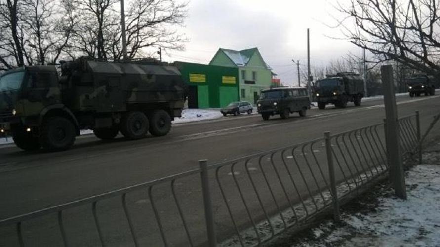 Колона военной техники въехала вСимферополь