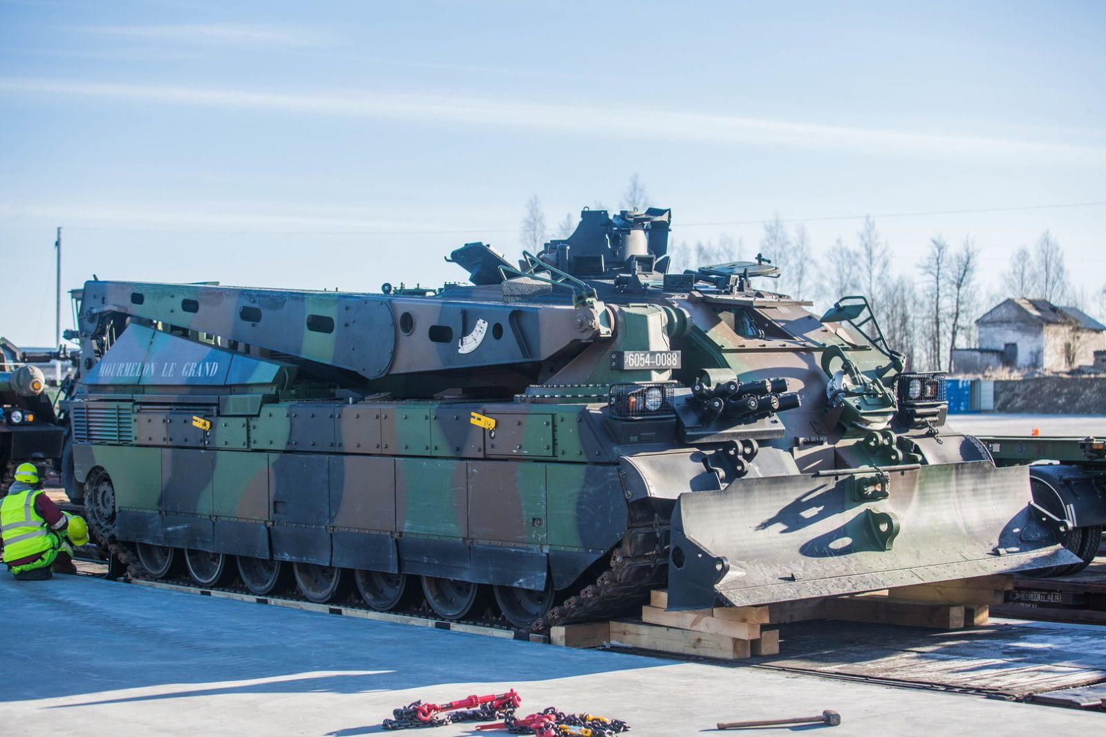ВЭстонию прибыли французские танки для батальона НАТО