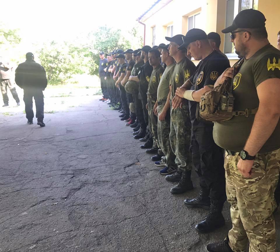 Рейдерский захват фермы наКировоградщине: милиция подралась светеранами АТО
