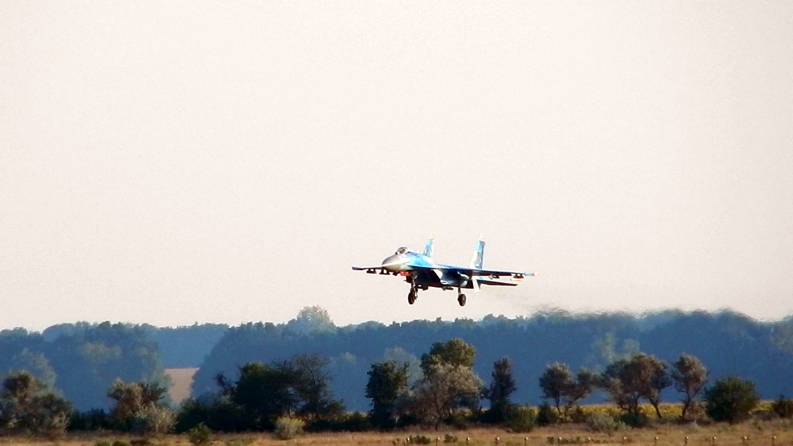 Украина привела в боевую готовность почти все воинские части