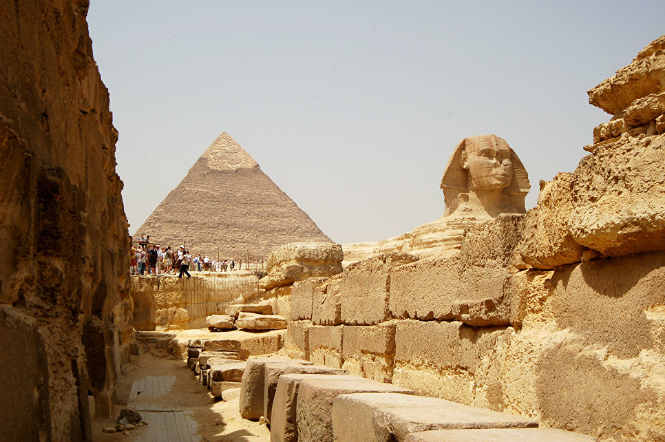 an introduction to the construction of the pyramids in ancient egypt The great pyramid of giza is a the first true pyramid constructed in egypt building a pyramid required an introduction to the archaeology of ancient.