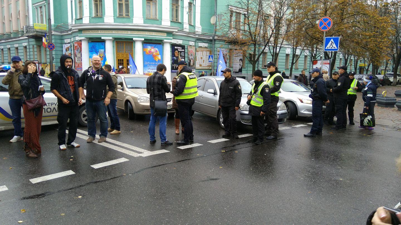 ВКиеве митингующие готовятся провести ночь уздания Верховной рады