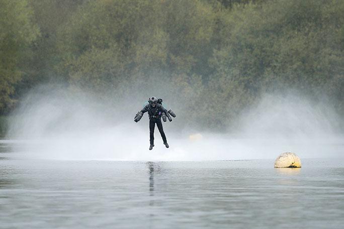 Британский инженер установил рекорд скорости влетающем костюме