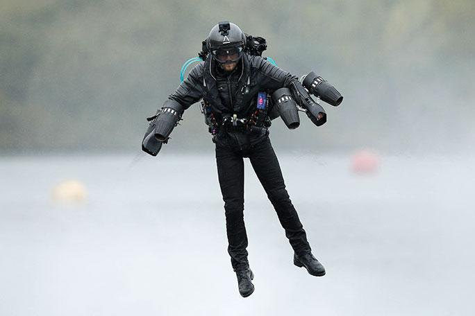 Англичанин побил мировой рекорд скорости влетающем костюме