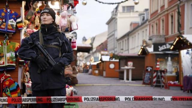 Полицейские обезвредили взрывчатку нарождественском рынке вПотсдаме