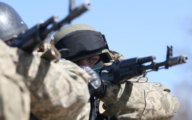 Боевики обстреляли Верхнеторецкое: в поликлинику угодила женщина сранениями