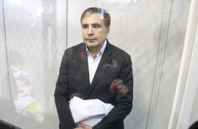 Объявившего голодовку Саакашвили доставили вкиевский суд