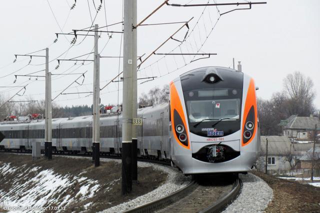Вследовавшем вукраинскую столицу скоростном поезде случилось задымление