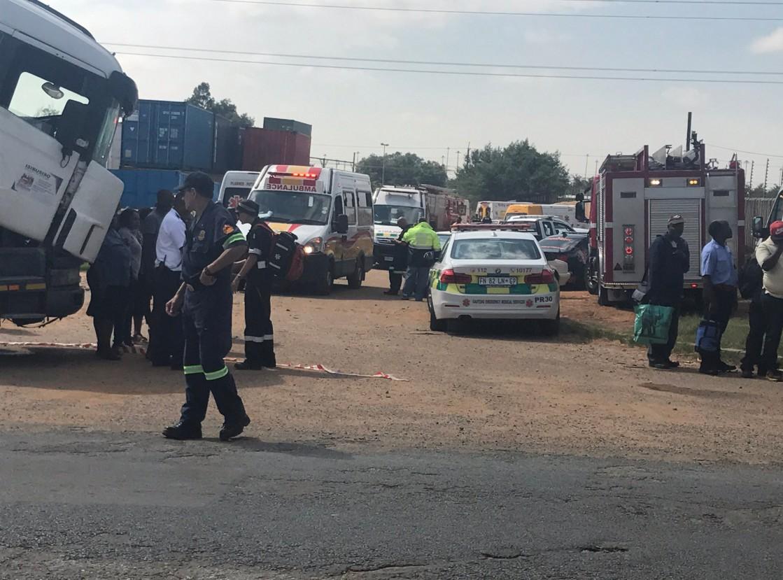 ВЮАР при столкновении 2-х  пассажирских поездов пострадало около 200 человек