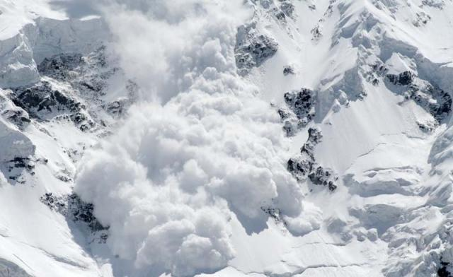 УКарпатах під лавину потрапила група туристів із Києва